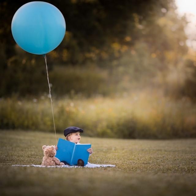 Adrian Murray's Heartfelt Photos of Two Boys and Their Teddy | blog.zoombook.com